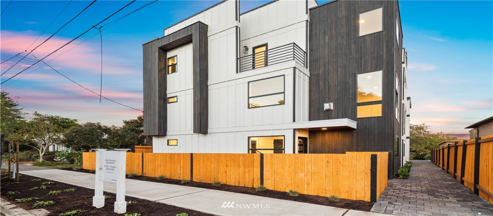 4556 34th Avenue, Seattle, Washington 98118, 3 Bedrooms Bedrooms, ,2 BathroomsBathrooms,Residential,For Sale,34th,NWM1845284